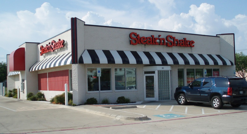 First Steak N Shake Restaurant In Arlington Texas